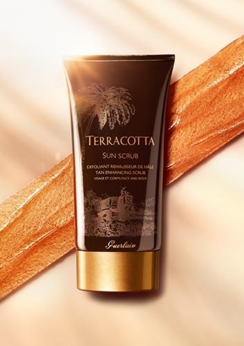 Terracotta Sun Scrub : exfoliante que prepara la piel para el sol y ...