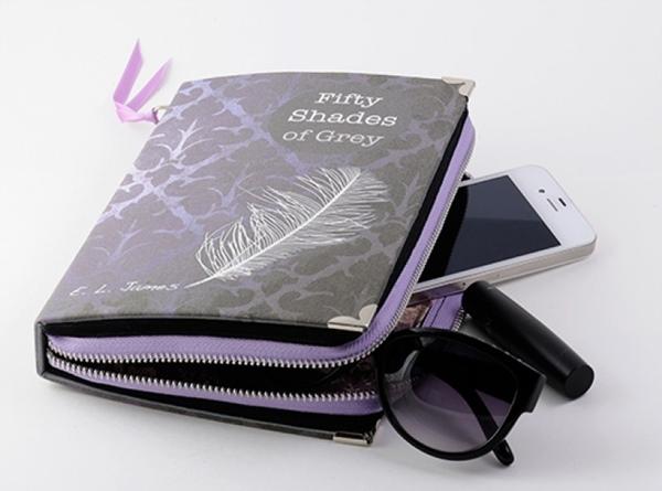 El capricho del día: un clutch-libro de 50 sombras de Grey