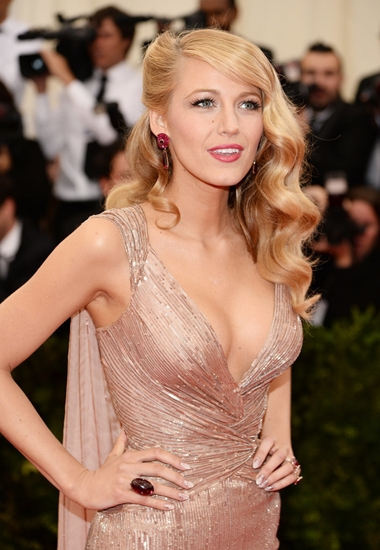 Blake-Lively-Hair-Makeup-2014-Met-Gala